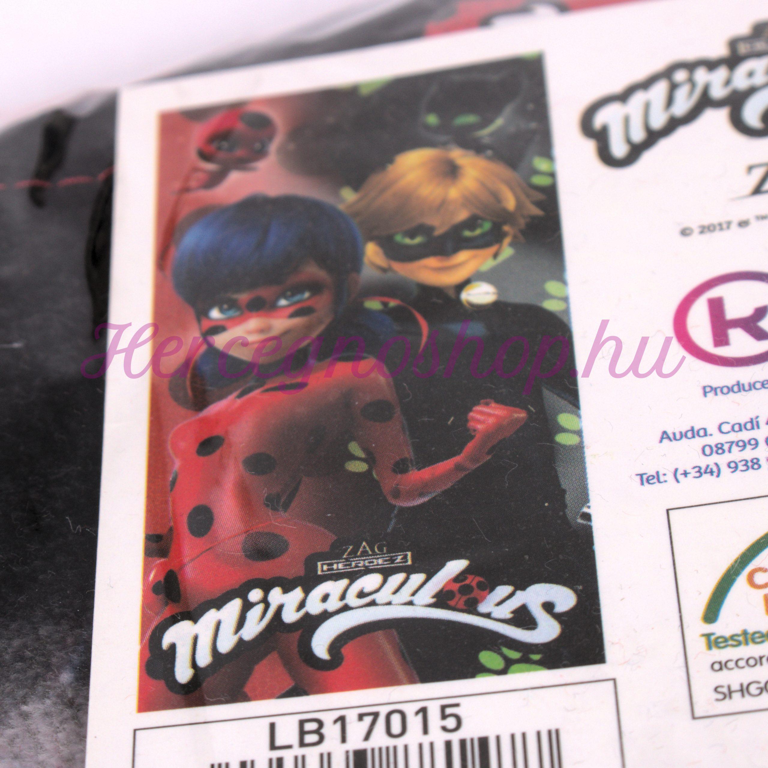 Katica strandtörölköző (Miraculous Ladybug)